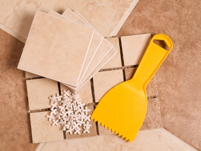 Как класть плитку на пол - необходимые инструменты