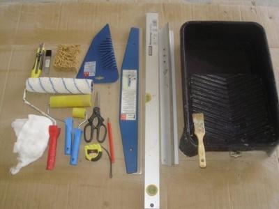 Как правильно подобрать инструмент и клеить флизелиновые обои