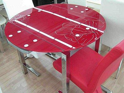 Стеклянные столы для маленькой кухни