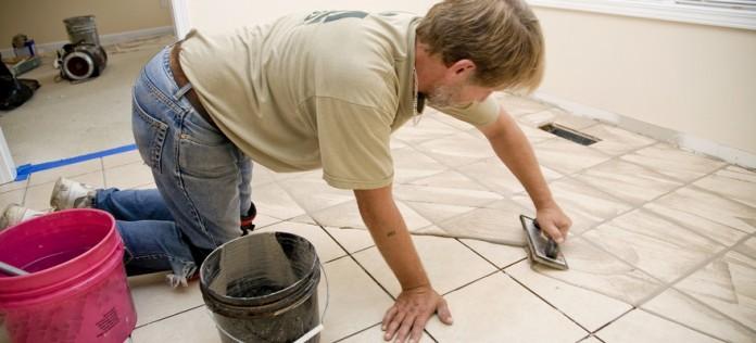 Как затирать швы на плитке своими руками