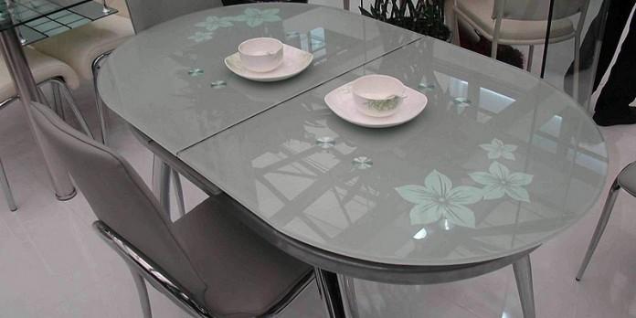 Стеклянные раздвижные столы для кухни