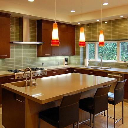 Размещение освещения для кухни над столом