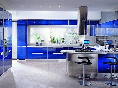 Сочетание цветов в интерьере кухни - базовый синий
