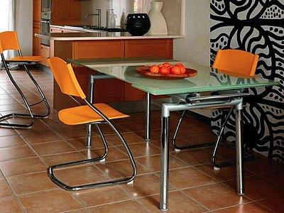 Обеденные стеклянные столы для кухни