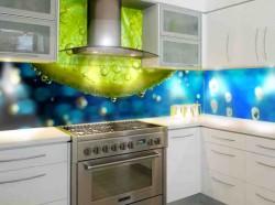 Разноцветная пластиковая панель для кухни